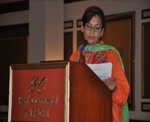Dr. Nabeela Rafique giving the vote of thanks