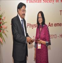 Prof. Sadqa Aftab Chairperson Scientific Programme giving certificate to Prof. Fazle Hameed